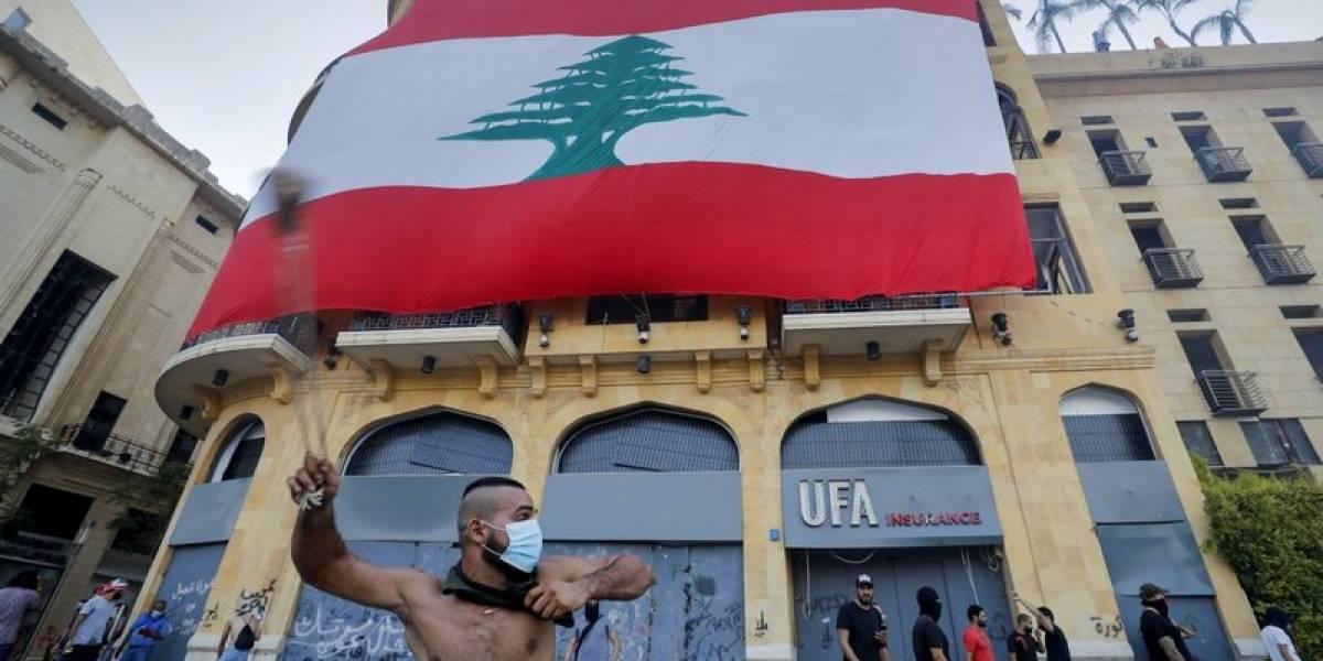 Renuncia ministra en el Líbano y continúan las violentas protestas