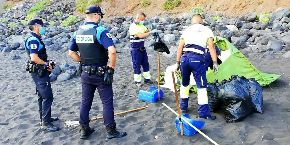 Hay gente muy loca: En España organizan una acampada en playa para propagar el coronavirus