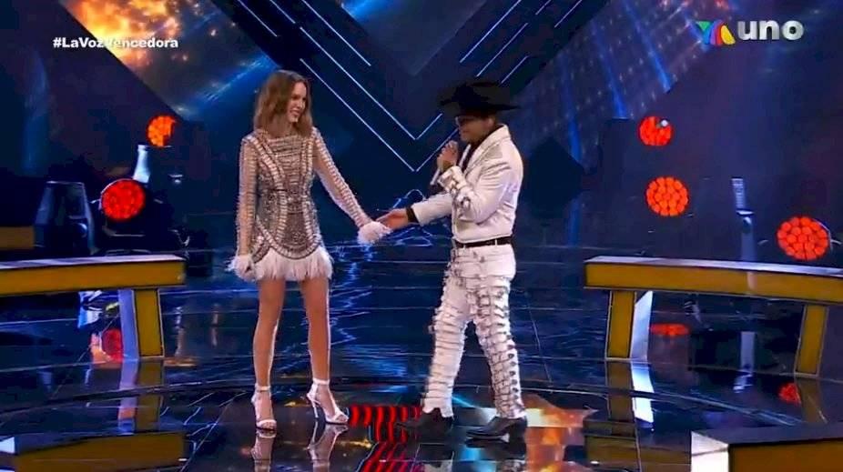 Belinda y Christian Nodal cantan Los besos que te di en La Voz | Publimetro  México