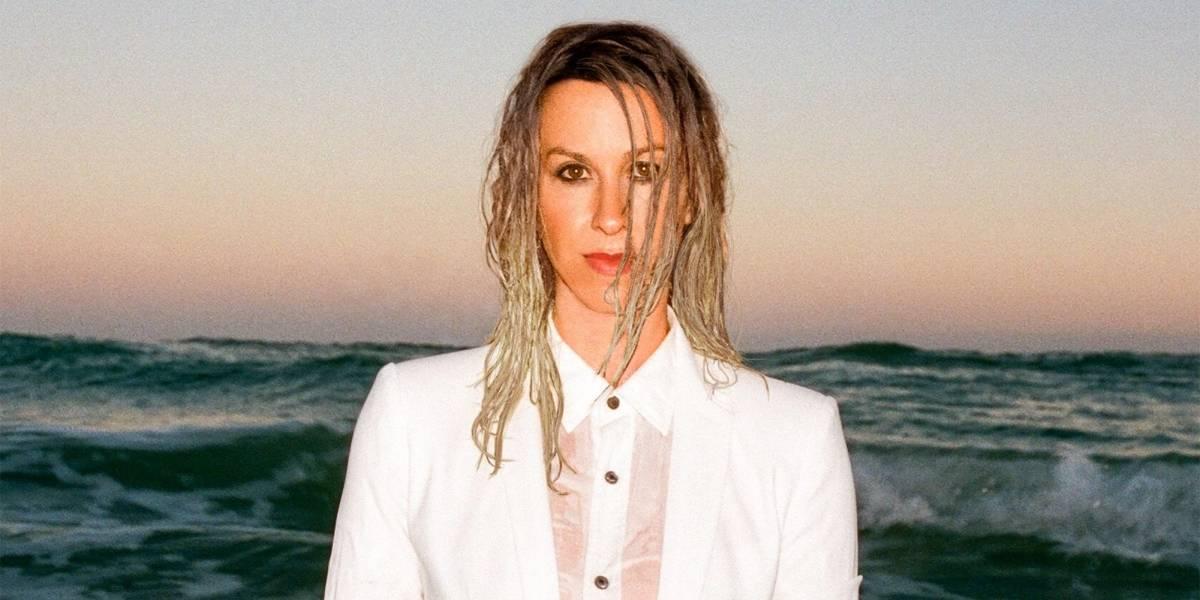 Alanis Morissette quebra 8 anos de jejum de álbuns com 'Such Pretty Forks in the Road'