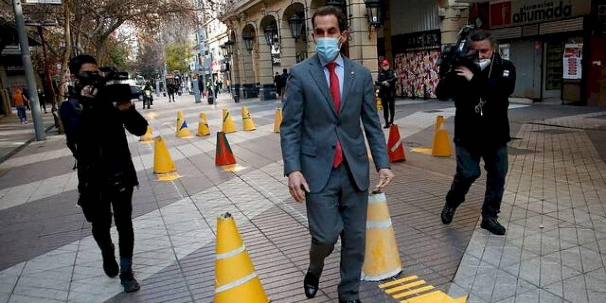 Se prepara ante posible ingreso a etapa de Transición: presentan protocolo sanitario para lugares que atiendan público en Santiago