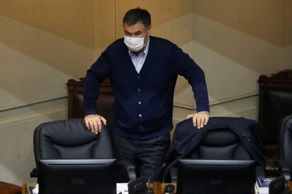 """Ossandón rechaza que se dieron """"vuelta la chaqueta"""" por retiro del 10% y asegura que hicieron un """"jaque mate al Gobierno"""""""