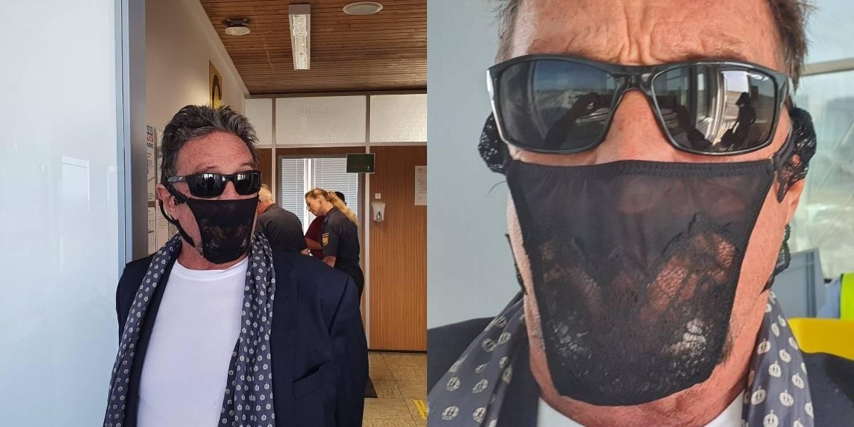Detenido el creador del famoso antivirus McAfee: llevaba una tanga en lugar de una mascarilla