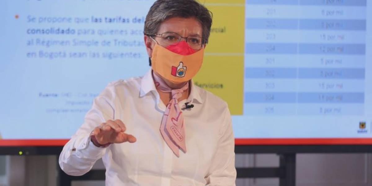 Encuesta: Imagen positiva de Claudia López bajó, pero se mantiene muy arriba