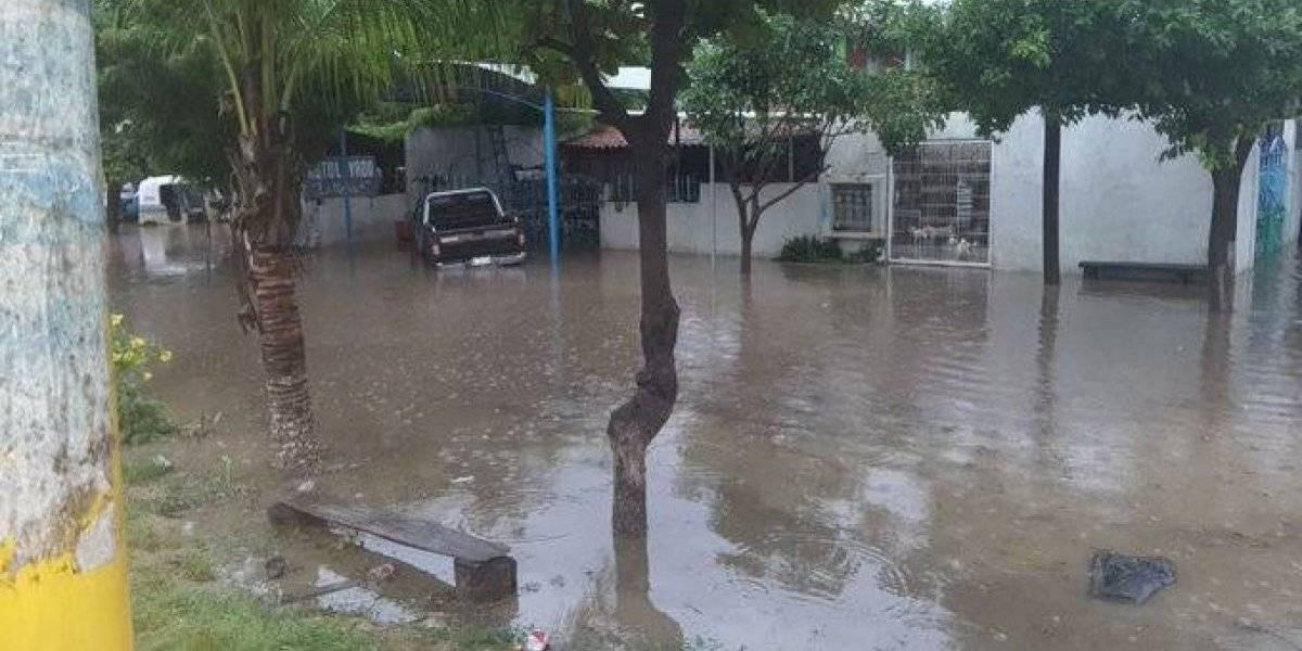 Lluvias causan graves inundaciones en 6 colonias de municipio en Oaxaca
