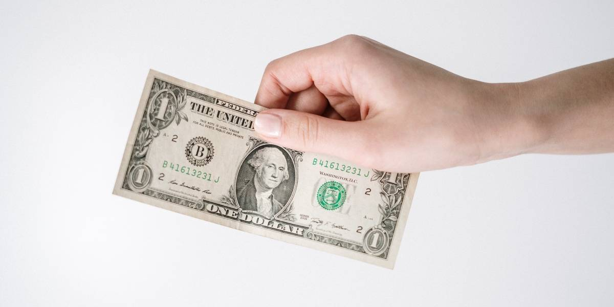 Confira a cotação do dólar comercial em tempo real nesta quarta, 12 de agosto
