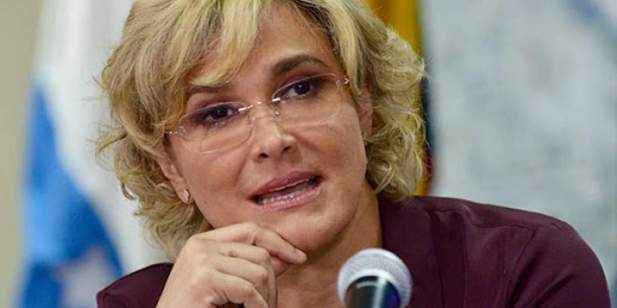 """Cynthia Viteri a laboratorios en Guayaquil: """"Tienen 48 para remitirnos información de casos positivos"""""""