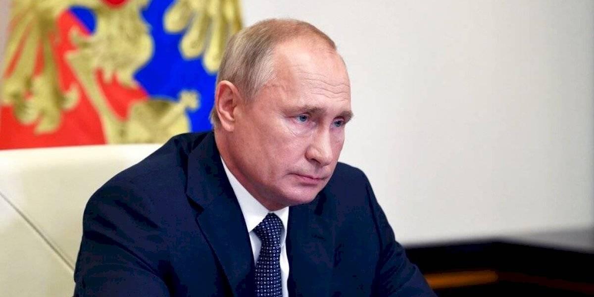 Vacuna rusa no se podrá suministrar a dos grupos etarios