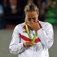 De una medallista a otra: Mónica Puig envía mensaje a Jasmine Camacho-Quinn