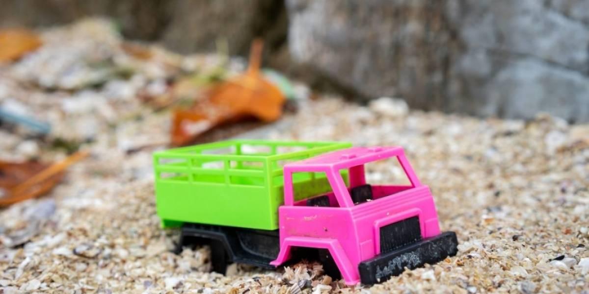 Brinquedos de plástico prejudicam saúde das crianças e meio ambiente