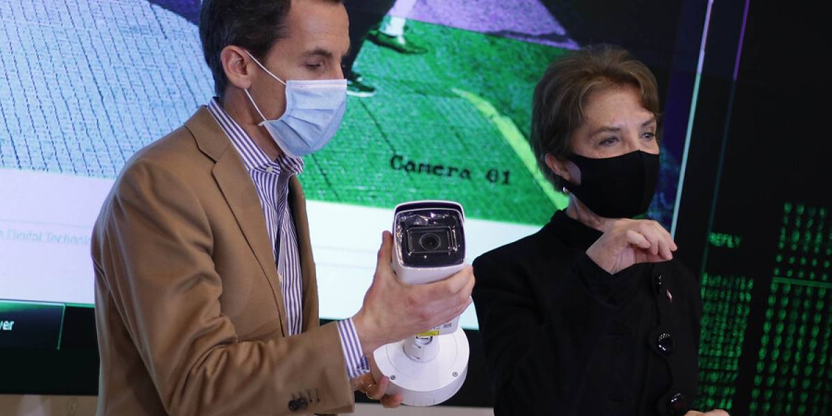 Santiago instalará semáforos inteligentes para evitar aglomeraciones de más de siete personas