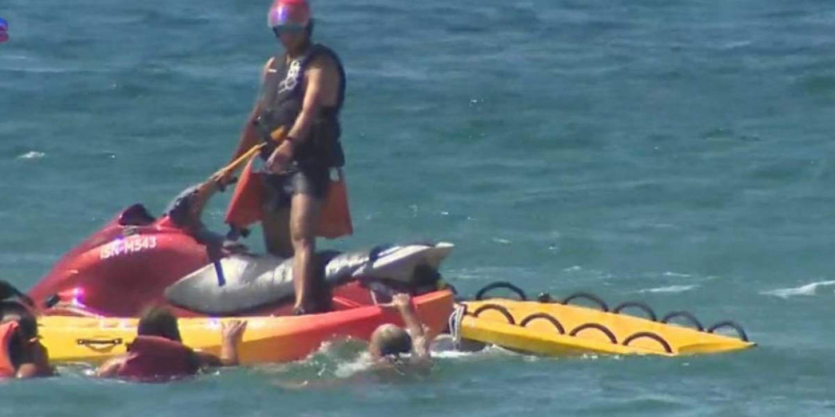 Presidente de Portugal se convirtió en Aquaman: rescató a dos mujeres bañistas en problemas