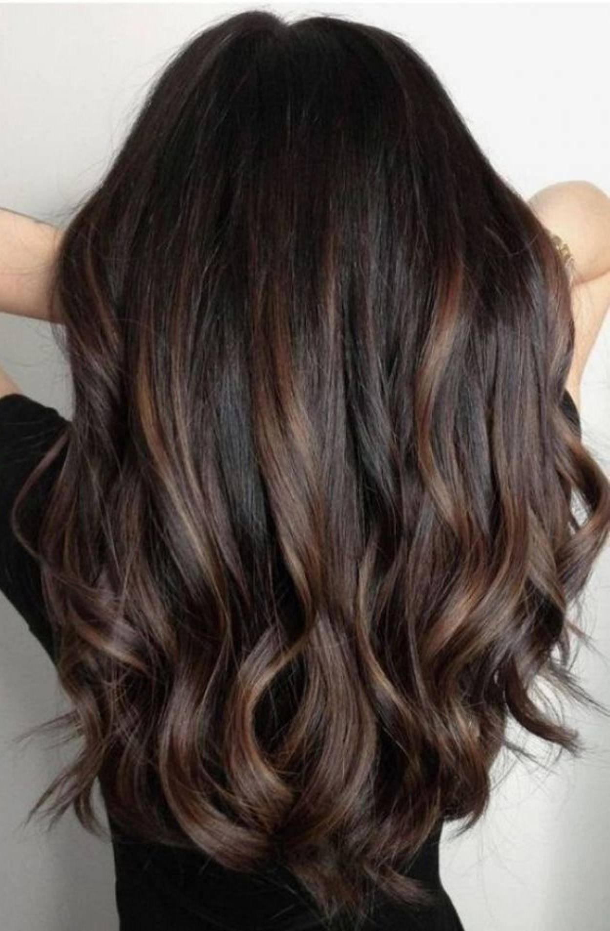cabello oscuro