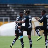 La mitad de jugadores de Independiente del Valle están con COVID-19, dice su entrenador