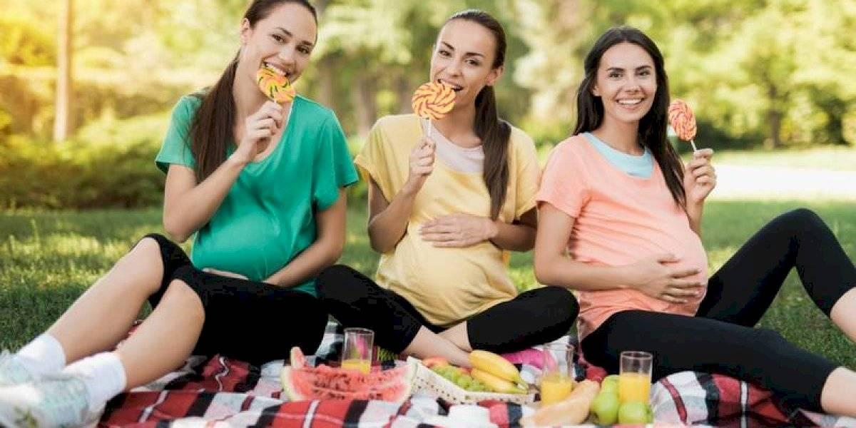 Conoce y comparte estos alimentos imprescindibles durante el embarazo
