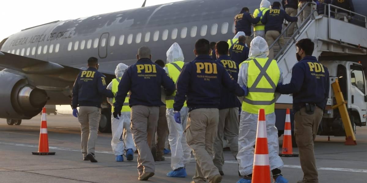 38 colombianos expulsados del país: avión de la FACH despegó este lunes rumbo a Bogotá