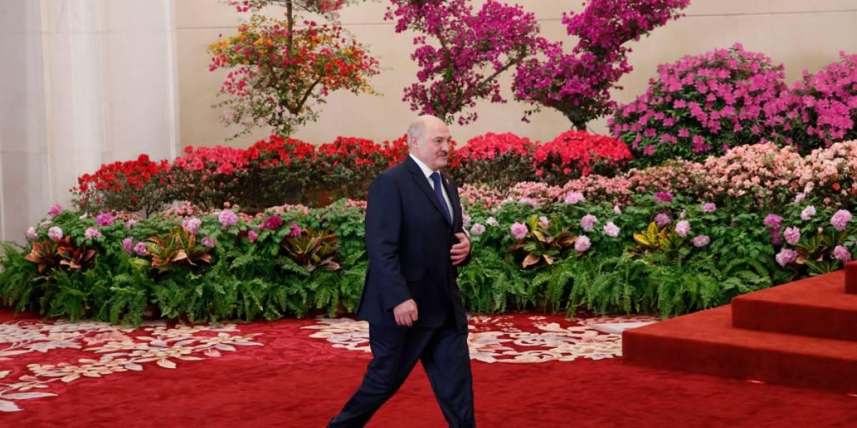 """El líder Lukashenko no cede ante las intensas protestas en Bielorrusia: """"No habrá elecciones hasta que me maten"""""""