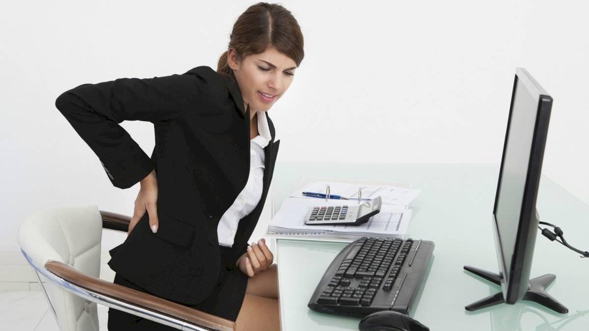 Levantarte de vez en cuando es necesario para evitar el dolor de espalda