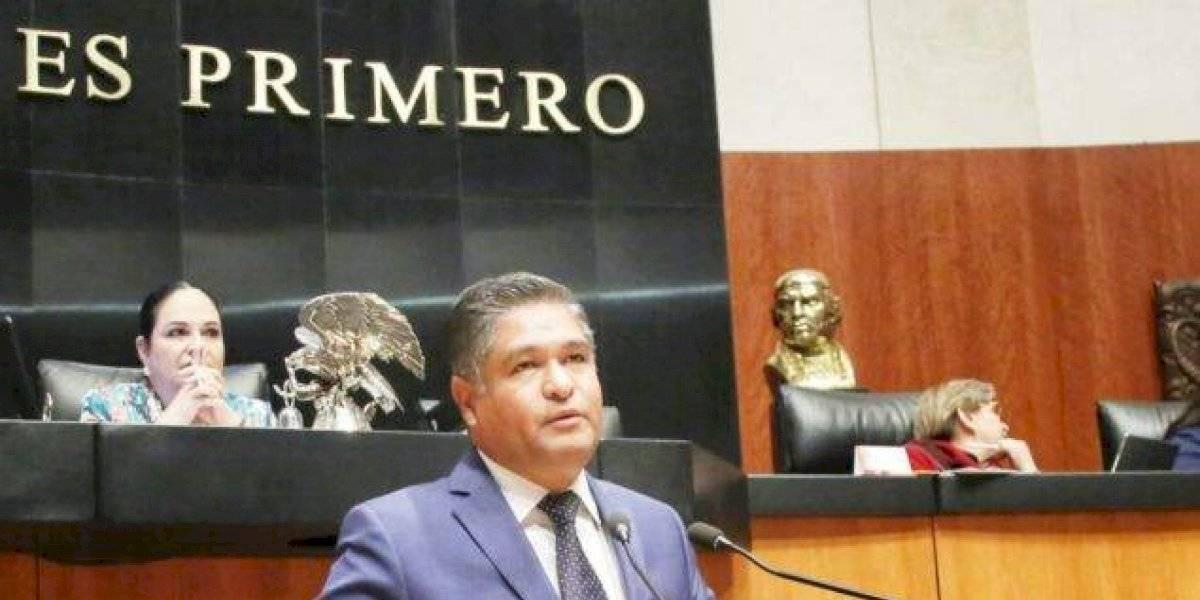 Víctor Fuentes reprueba decisión de CRE de vetar uso de paneles solares