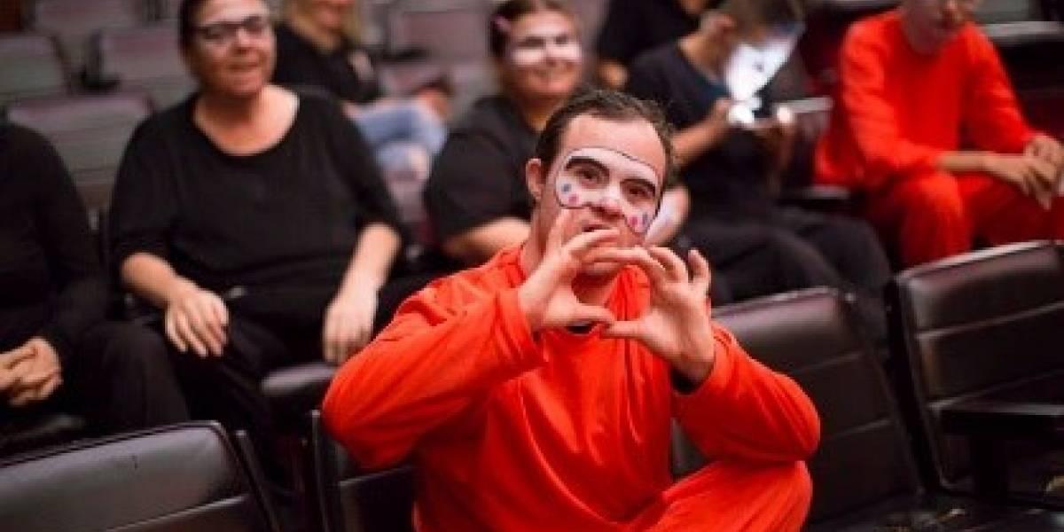 Projeto dá oficinas gratuitas de teatro a pessoas com deficiência intelectual