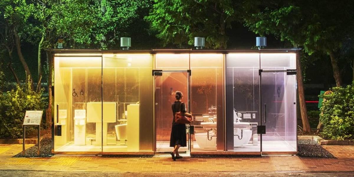 O inesperado sucesso dos banheiros públicos transparentes em Tóquio