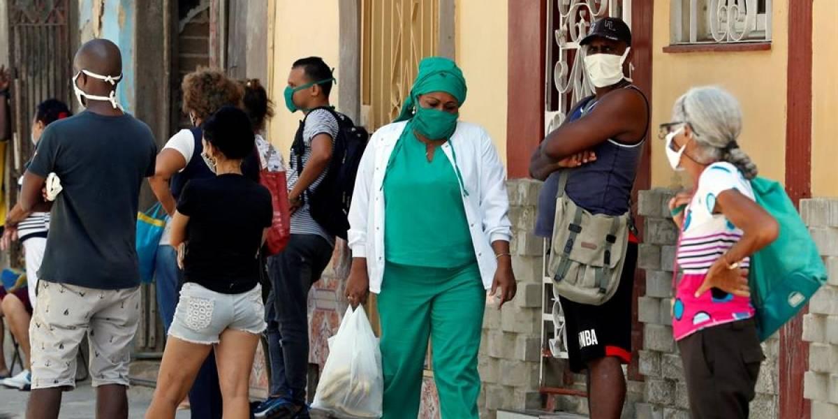 Cuba anuncia ensayos clínicos de su propia vacuna contra la COVID-19