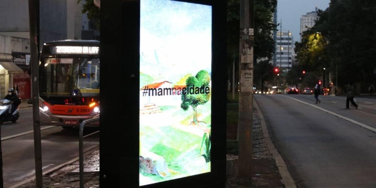 MAM põe reproduções de obras em pontos de ônibus e edifícios de São Paulo