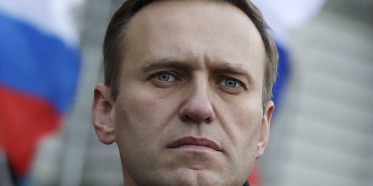 Alexei Navalny, máximo opositor a Vladimir Putin, está en coma tras supuesto envenenamiento