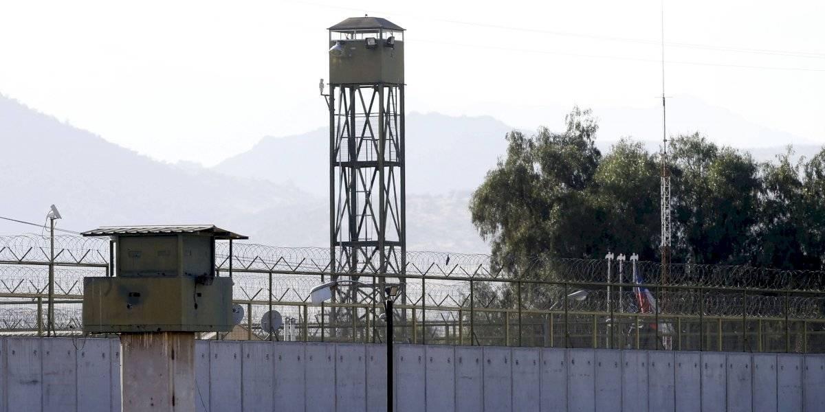 """Militares en retiro acusaron de """"doble estándar"""" al presidente Sebastián Piñera tras la negociación con el machi Celestino Córdova"""