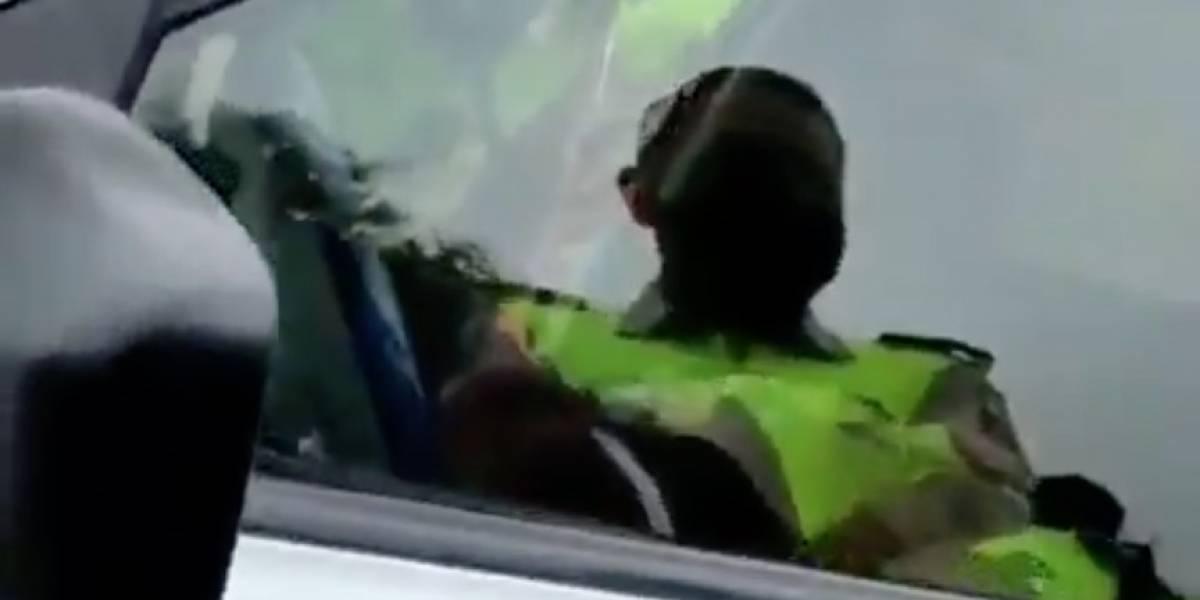 Policías hallados dentro de un patrullero fallecieron por presunta inhalación de monóxido de carbono