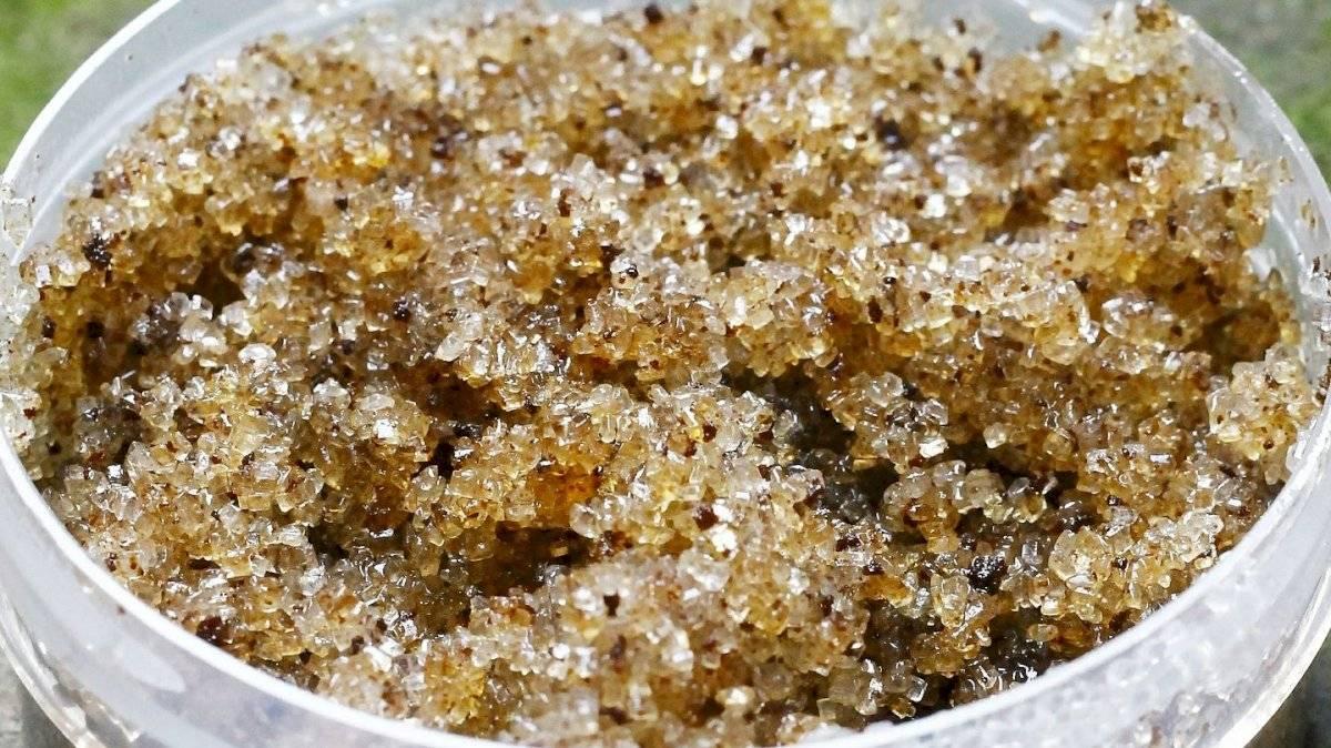 Crema exfoliante a base de azúcar morena