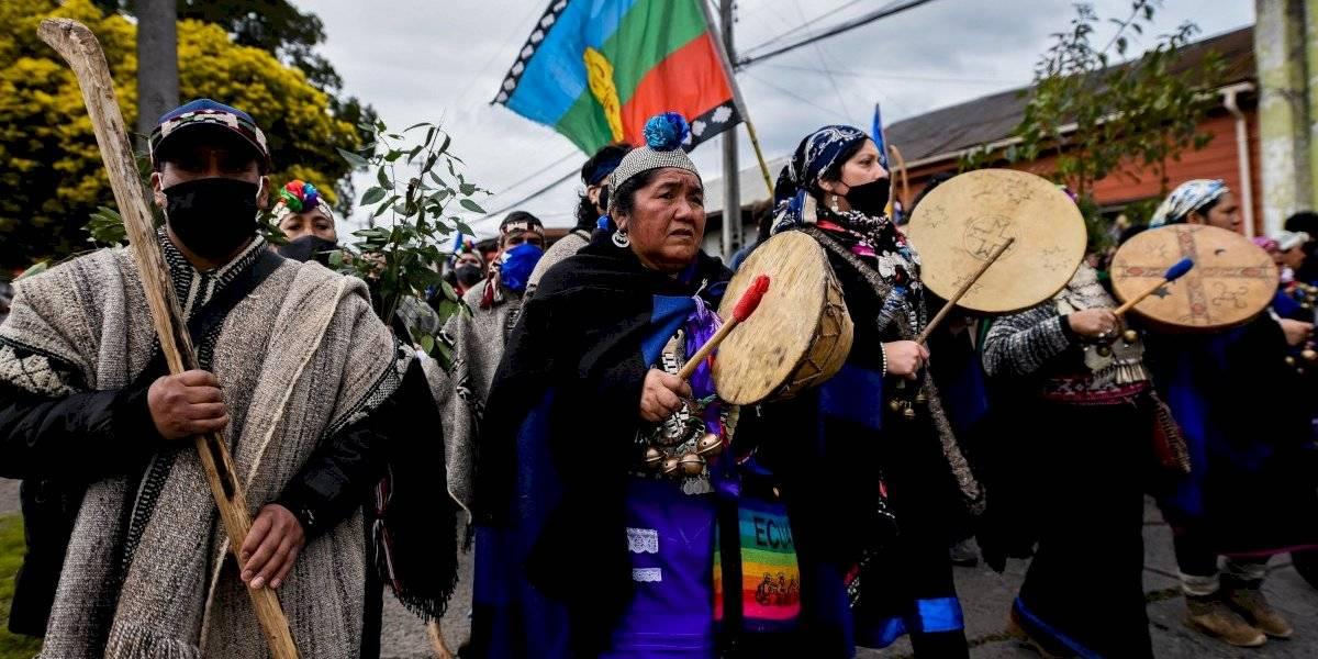 Araucanía: autoridades mapuche y familiares de presos en huelga de hambre acusan abandono de la mesa de diálogo y llaman a movilizarse