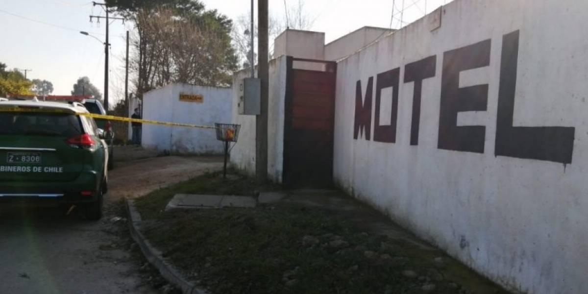 Drama en motel de Linares: ex policía sería responsable de la muerte de mujer encontrada en la maleta de un auto