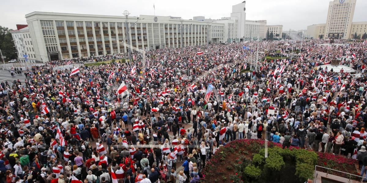 Protestas en Bielorrusia: 100 mil manifestantes exigieron cambios al gobierno de Lukashenko