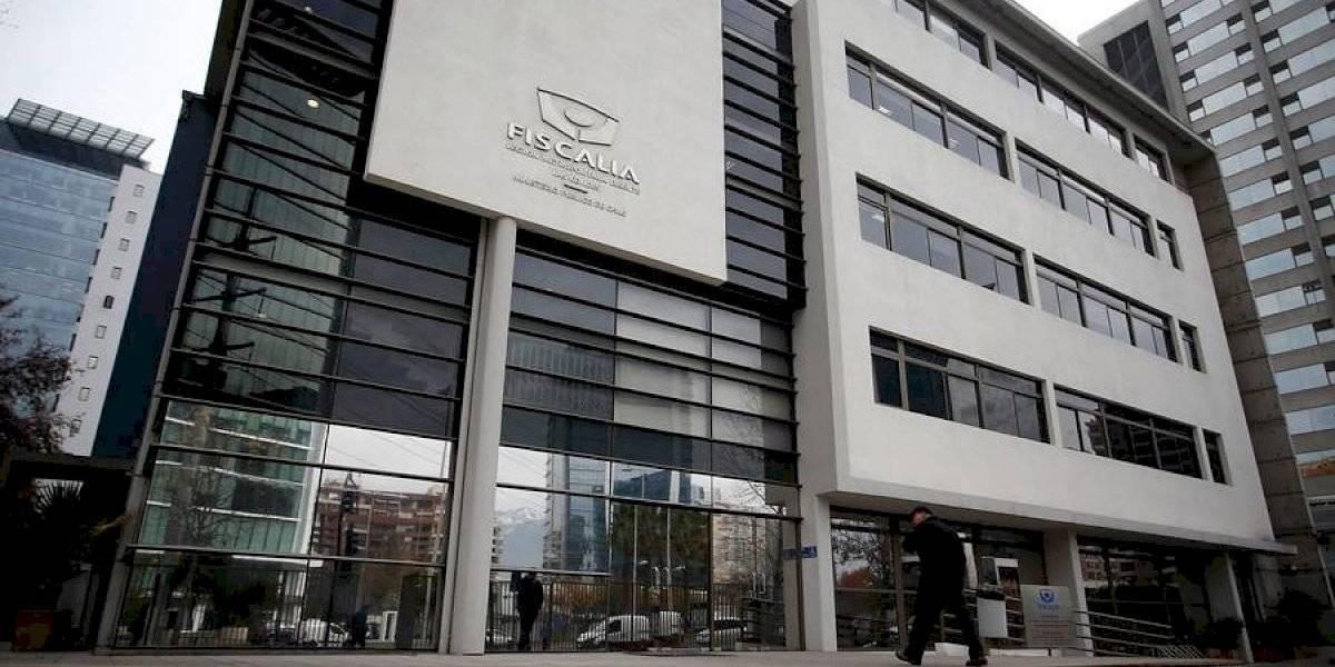 Las Condes: Fiscalía investiga muerte de mujer tras disparo de su cónyuge