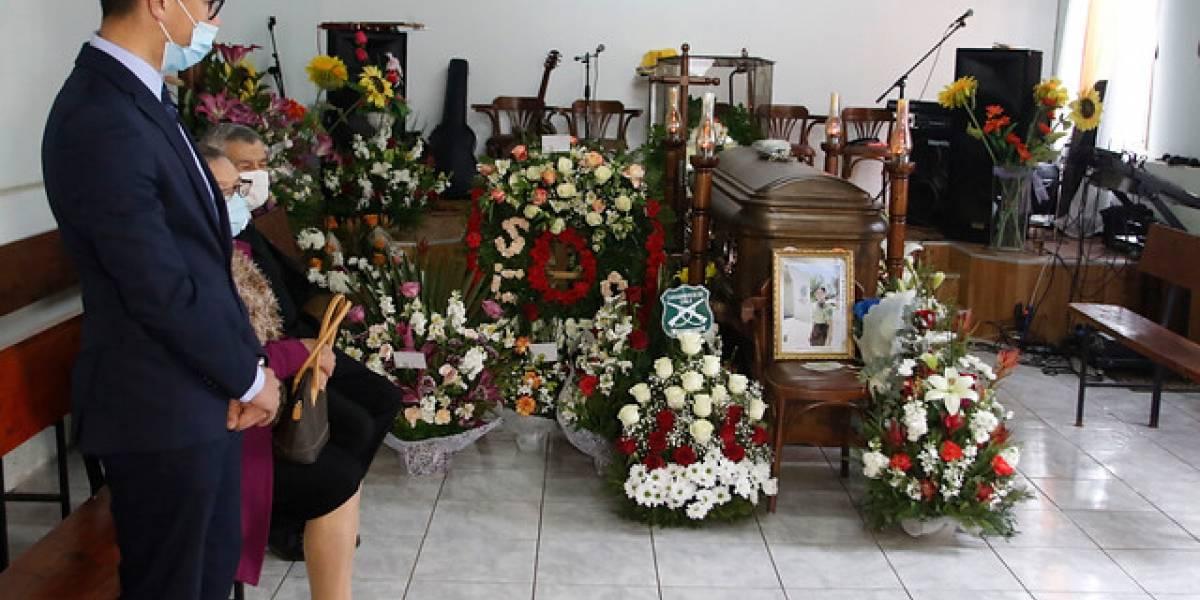 Pesar en el velatorio de la carabinera y una velatón en el centro de Linares