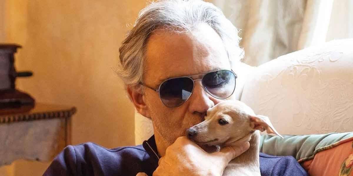 Andrea Bocelli perde cachorrinha no mar e lamenta fim das buscas