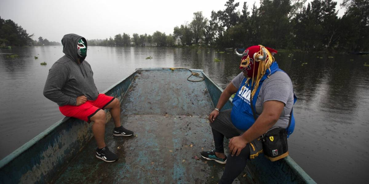 Luchadores mexicanos intentan sobrevivir a la pandemia