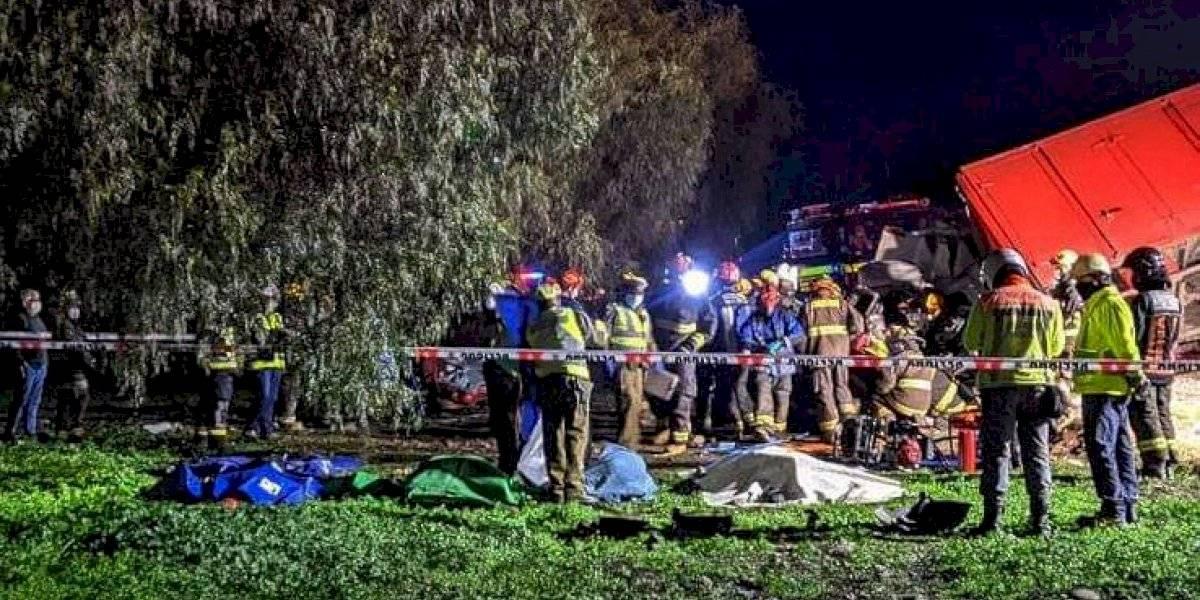 Choque de camiones deja cinco muertos y dos menores heridos en Autopista del Sol