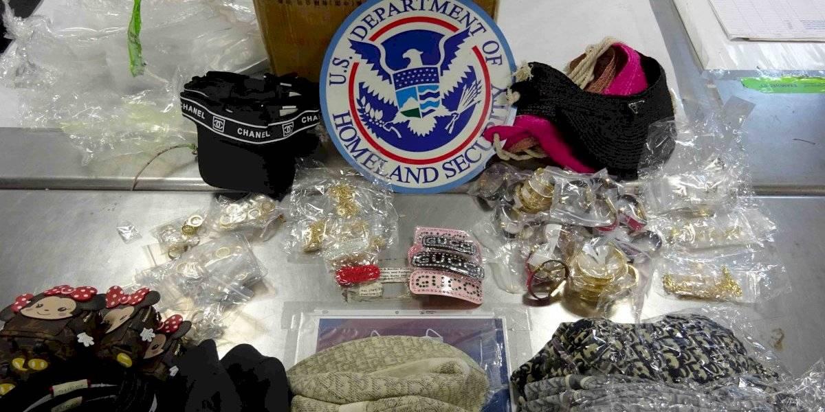 Confiscan en Puerto Rico cientos de artículos de lujo falsificados