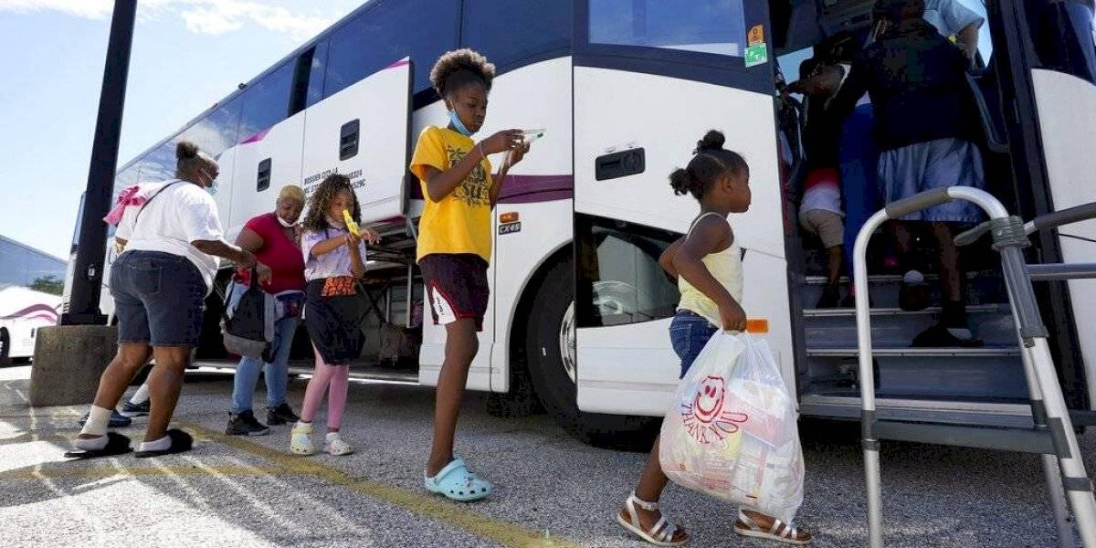 EEUU: evacúan a más de medio millón de personas ante la llegada de huracán Laura