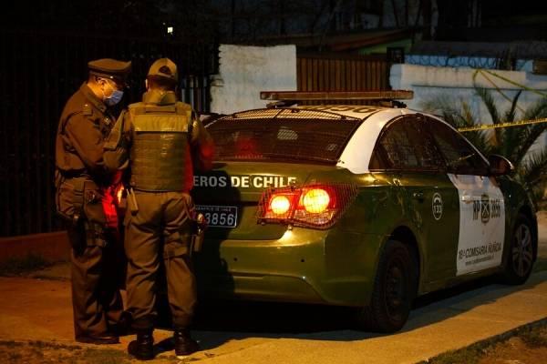 """Violento """"turbazo"""" a local comercial en pleno Santiago centro: Carabineros detuvo a cuatro personas"""