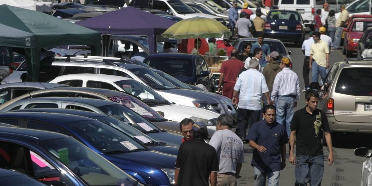Crisis por Covid-19 'perdona' venta de autos seminuevos