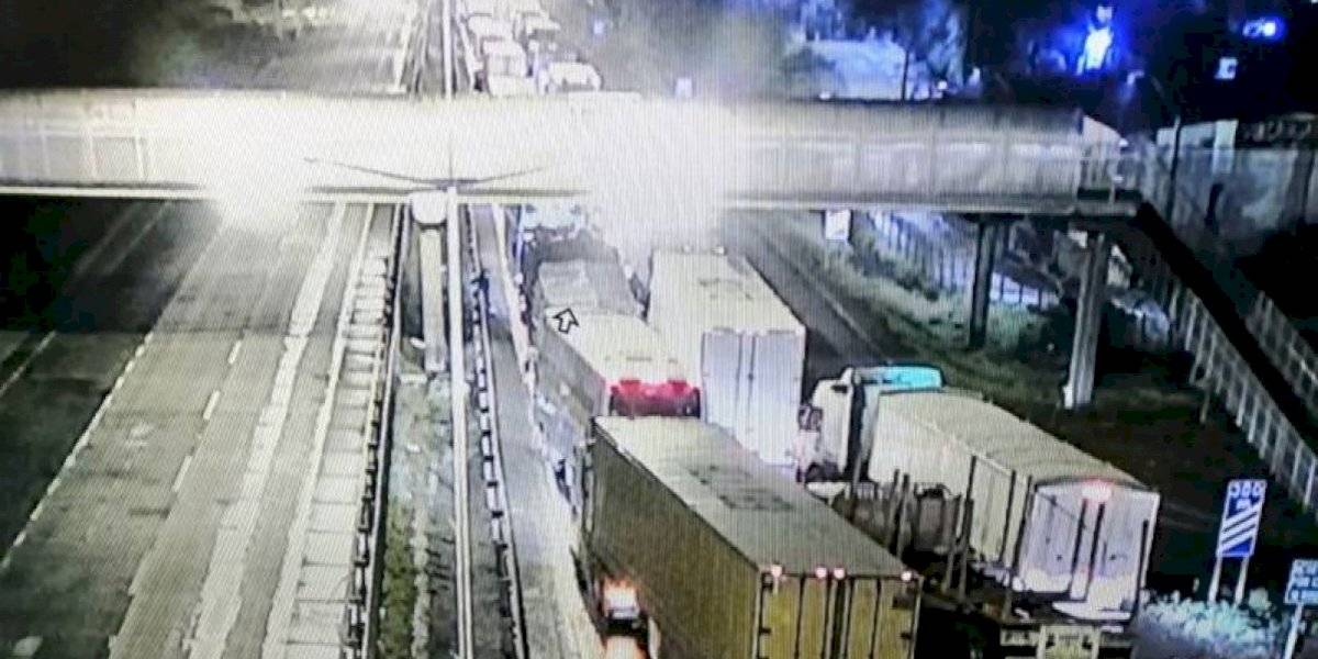 Ercilla: Carabineros reporta que vehículo donde viajaba familia recibe impactos balísticos en la Ruta 5 Sur