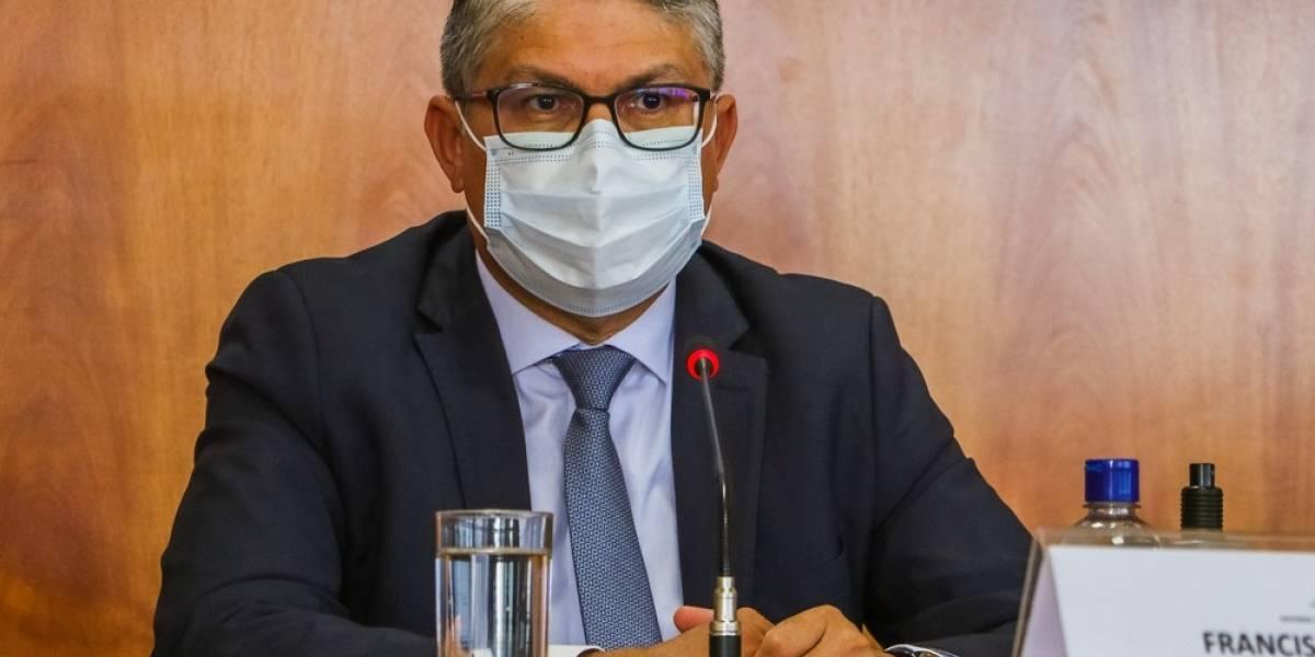 Secretário de Saúde do DF é preso em operação que apura fraudes