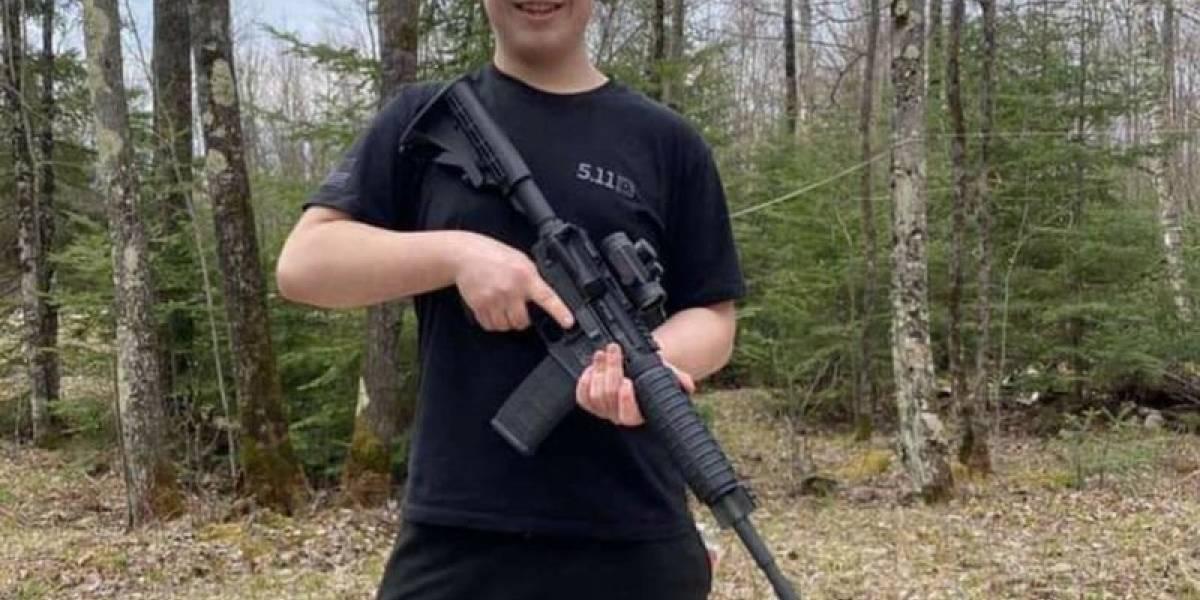 Jovem de 17 anos responderá por homicídio de manifestantes em Wisconsin, EUA