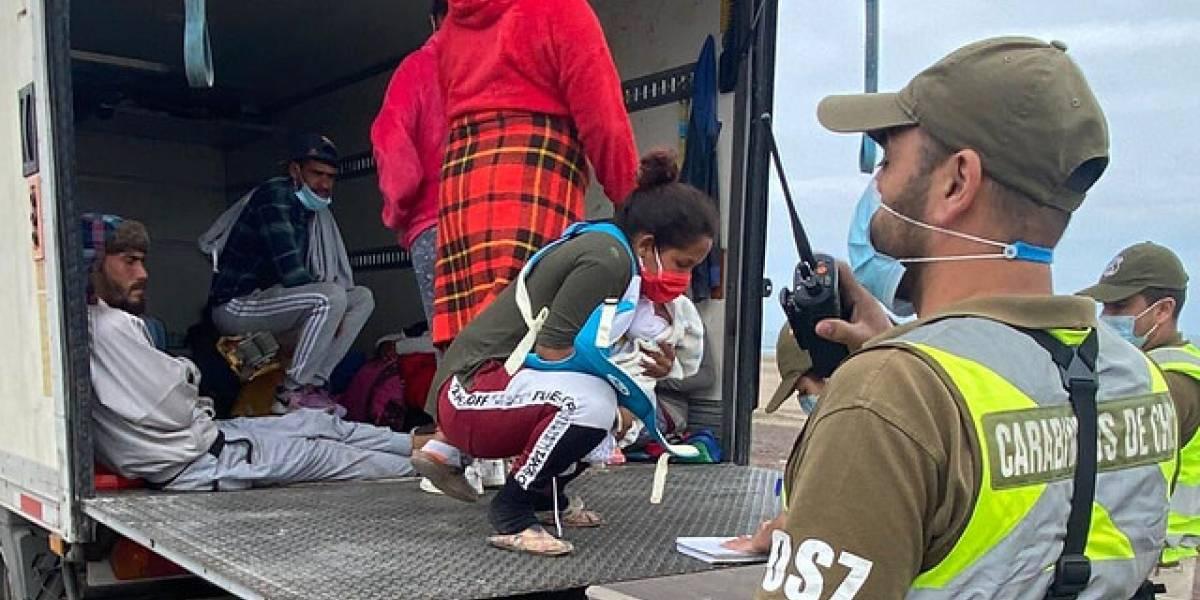 Entre ellos había un bebé de meses: 19 migrantes indocumentados viajaban escondidos en un camión