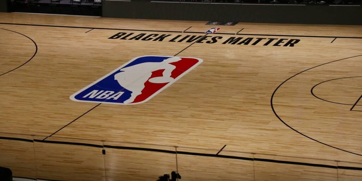 Más jugadores piden cancelar los 'playoffs' de la NBA mientras continúan manifestaciones