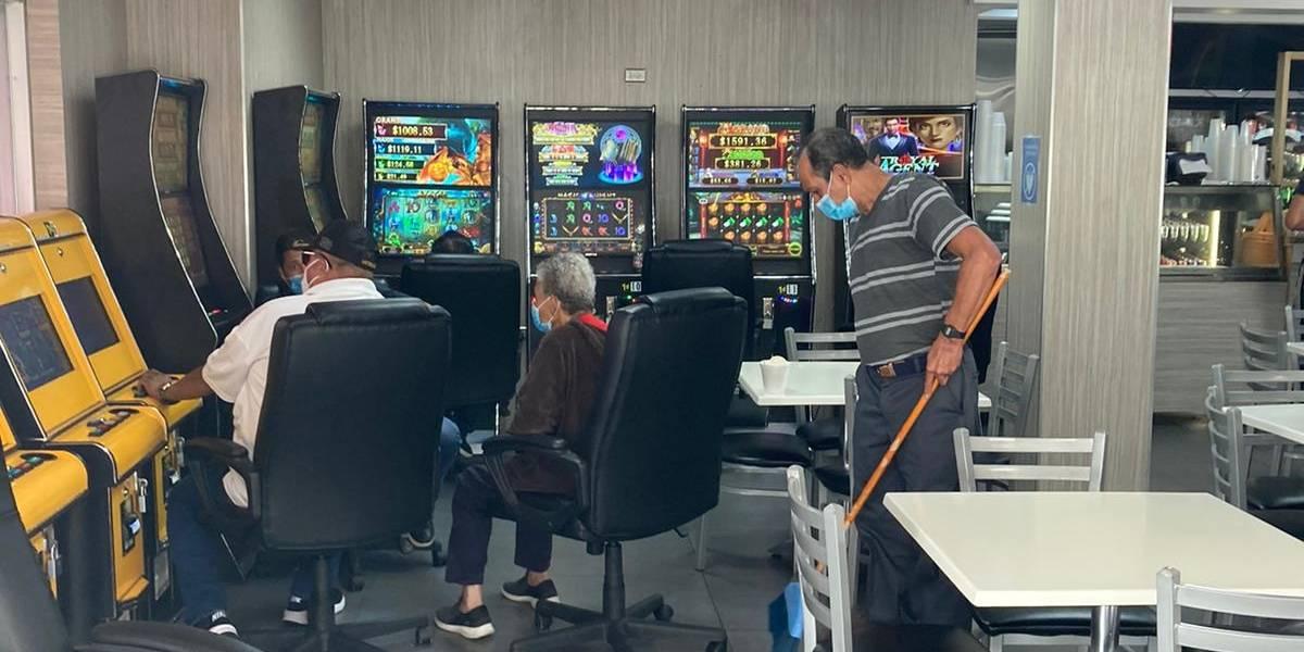 Fotos: maquinitas operan, mientras casinos siguen cerrados