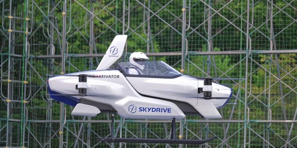 """Ya es una realidad: """"Auto volador"""" japonés despega con persona a bordo"""